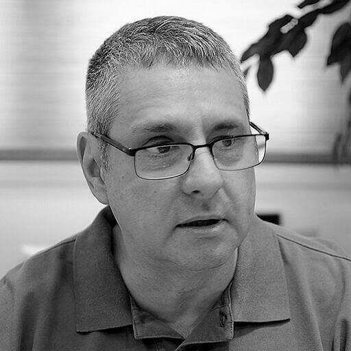 Ángel Julián Mena